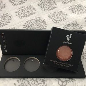 Mood struck pressed powder shadow single
